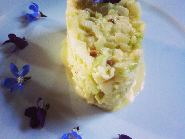 Cruditè di broccolo in salsa dolce alla senape e coriandolo