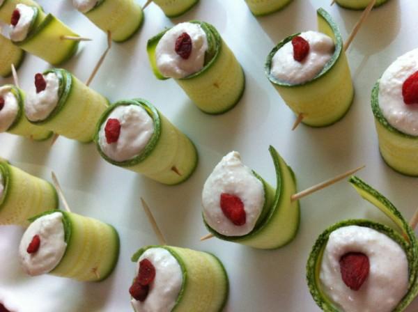 Involtini di zucchina con humus crudista