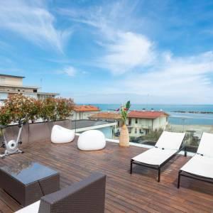 terrazza vista mare suite hotel luxor