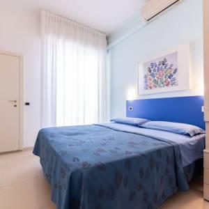 camera spaziosa in hotel per vegani igea marina