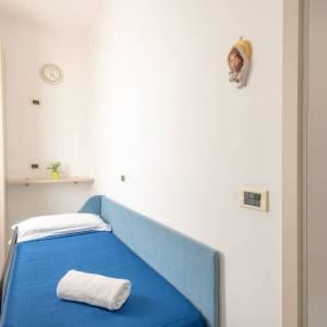camera comunicante hotel luxor igea marina